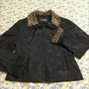 Static vintage jacket. Size large.